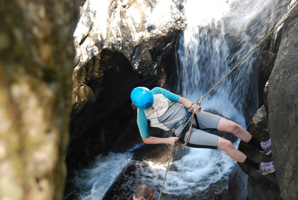 nager pour faire du canyoning